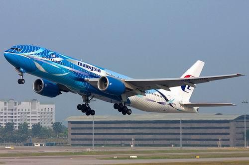 Самолет Boeing 777-200: www.aero-news.ru/boeing-777-200