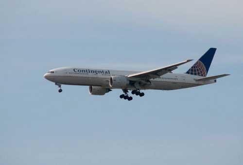 В Бостоне совершил вынужденую посадку Boeing 767-400 Cotinental Airlines