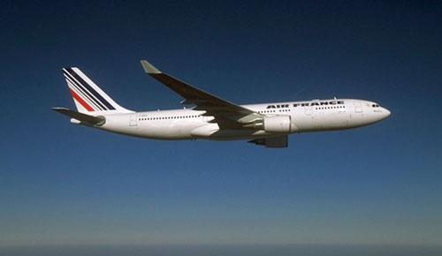 Самолет компании Air France был вынужден прервать полет из-за неисправных туалетов