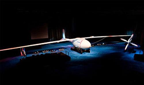 Phantom Eye от Boeing способен парить в воздухе четыре дня