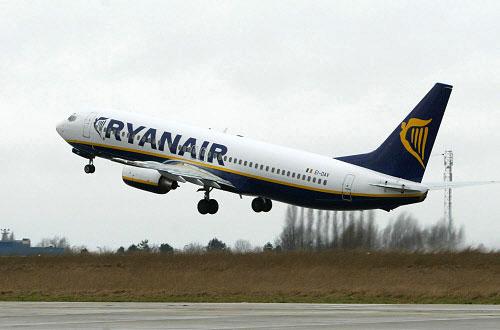 Авиакомпания Ryanair предложила стоячие места в своих самолетах