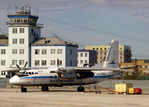 Пассажирский Ан-24 компании КатэкАвиа совершил вынужденную посадку