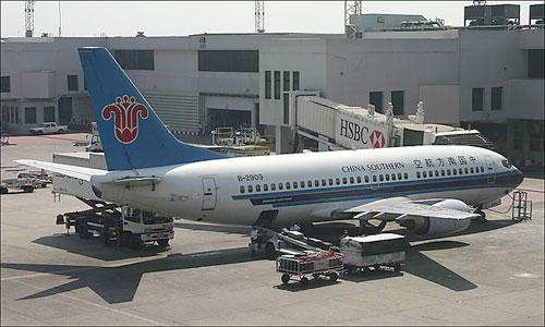 В один день у двух самолетов China Southern Airlines случились проблемы