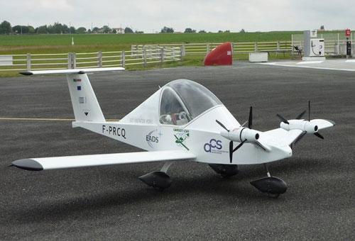 Электрический самолет Cri-Cri совершил первый полет