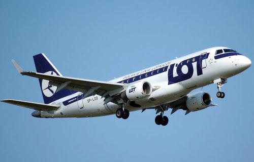 Пассажир бизнес-класса устроил драку с экипажем самолета
