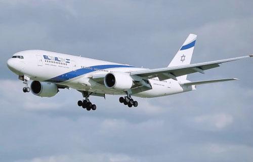 В Израиле самолет начал взлет с открытой дверью