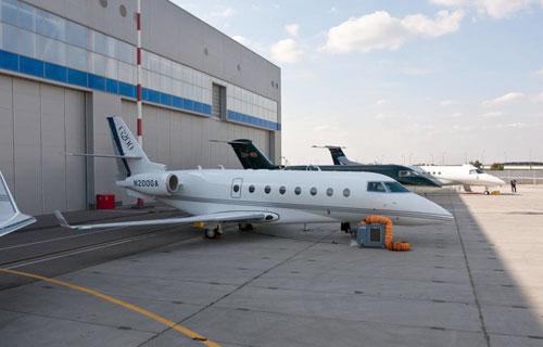 В Москве открывается выставка деловой авиации Jet Expo 2010