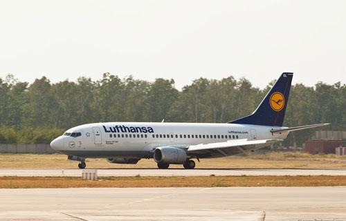 В Германии Boeing 737 компании Lufthansa приземлился на одном двигателе