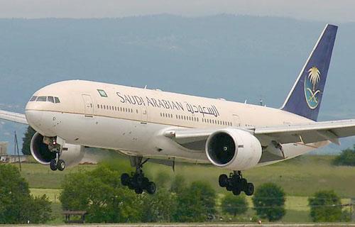 В самолетах Саудовских арабских авиаллиний разрешили пользоваться мобильниками
