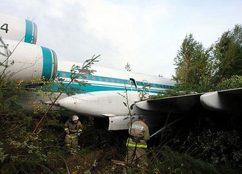 В Коми на заброшенном аэродроме совершил аварийную посадку Ту-154