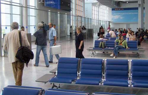 Сообщение о бомбе в аэропорту Калининграда оказалось ложным