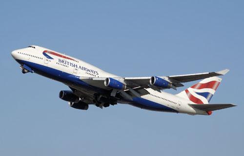Вынужденная посадка Boeing 747 British Airways из-за незакрытой двери