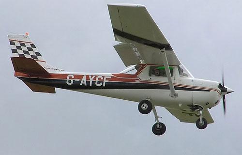 В США разбился легкомоторный самолет, приземлившийся на улицу