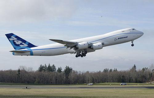 Поставки первых Boeing 747-8 Freighter вновь перенесены