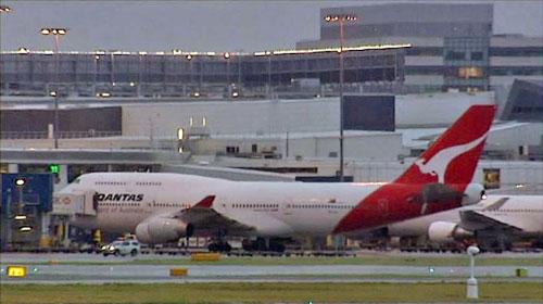 Очередная вынужденная посадка самолета Qantas в Сингапуре