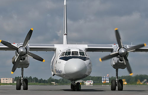 В Коми аварийно сел Ан-26 компании UTair
