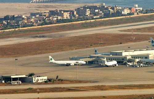 Буря повредила четыре самолета в Бейруте