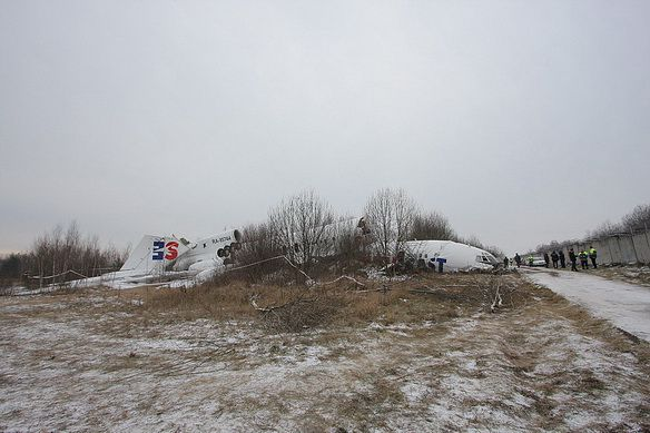 Фото с места посадки Ту-154 в Домодедово