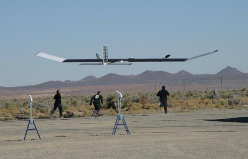 Беспилотный Zephyr установил новый рекорд дальности полета