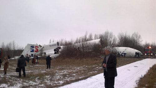 Аварийно-севший Ту-154 Дагестанскийх авиалиний в Домодедово