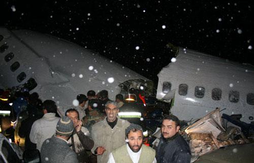 72 человека поглибли в результате авиакатастрофы в Иране