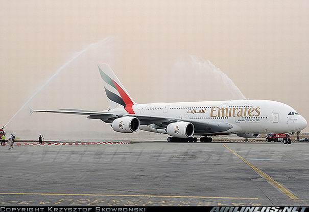 Аэробус А380 компании Emirates - фото