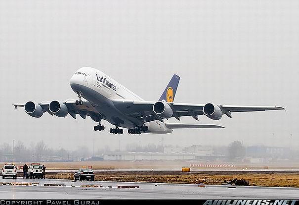 Аэробус А380 немецкой компании Lufthansa
