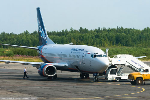 В Мурманске аварийно сел Boeing 737 с треснувшим стеклом