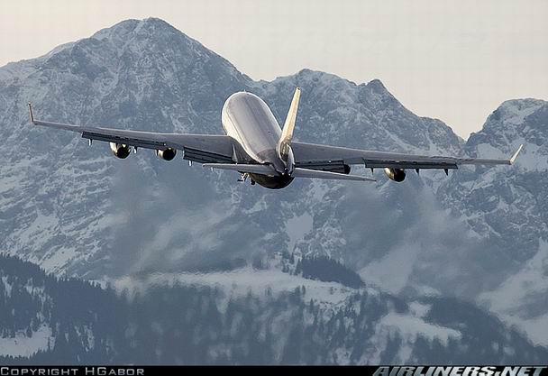 Взлет Ил-96-300 фото