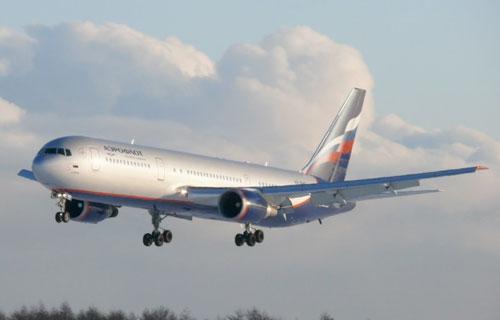 В кабине самолета Boeing 767 компании Аэрофлот треснуло стекло
