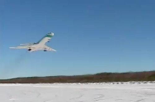 Взлет Ту-154 из Ижмы