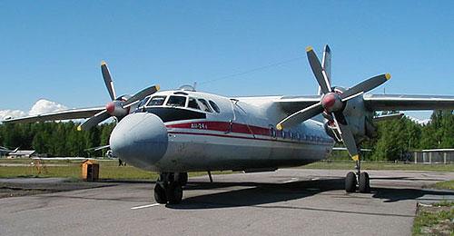 Пассажирский Ан-24 совершил вынужденную посадку в Уфе