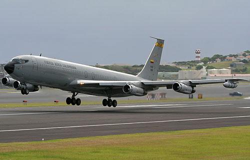 Военный самолет-заправщик Boeing 707