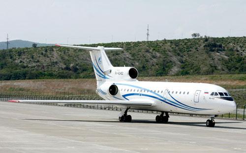 Самолет Як-42 компании Базел Аэро