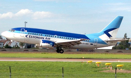 Самолет компании Estonian Air