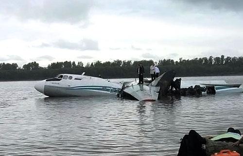 Аварийная посадка самолета Ан-24 на реку Обь