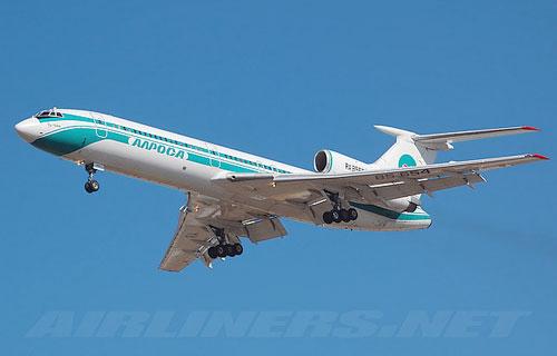 В Томске соврешил аварийную посадку Ту-154 компании Алроса
