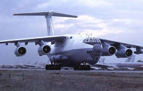 На Камчатке аварийно сел военный Ил-76 с отказавшим двигателем
