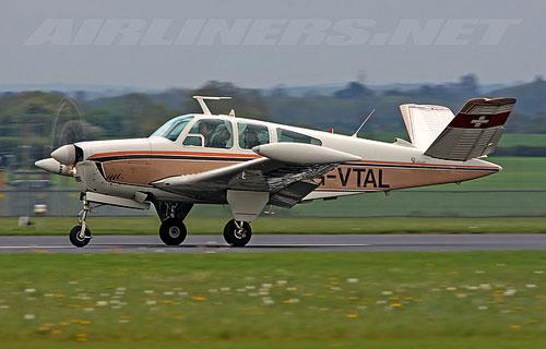 На авиашоу в Бразилии разбился Beech Aircraft V35