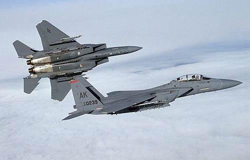 Япония приостановила полеты на истребителях F-15
