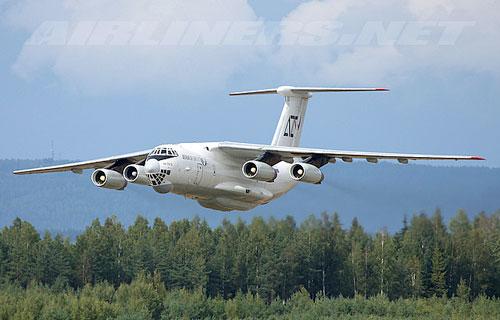 В Челябинской области сел в Ил-76 с откзавшим двигателем