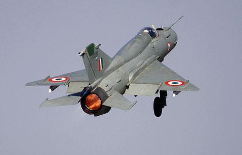 В Индии потерпел крушение уже пятый за год военный МиГ-21