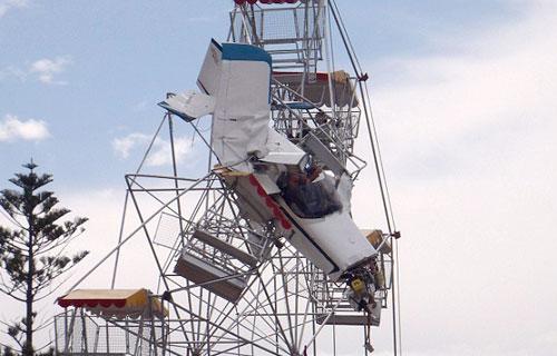 В Австралии легкий самолет врезался в колесо обозрения