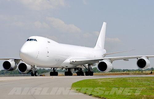 Boeing будет испытывать новый 747-8F в Якутии