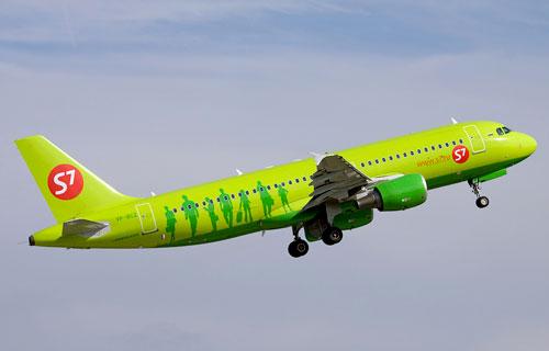Самолет Airbus A320 компании S7 Airlines