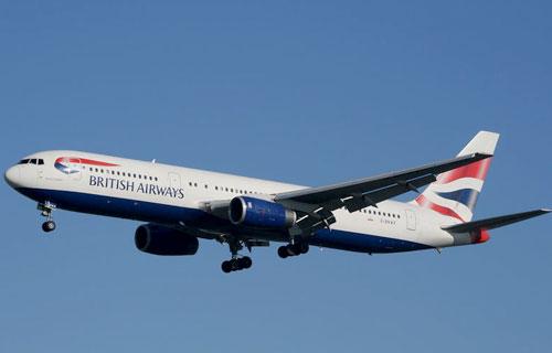 Экипаж самолета компании British Airways создал панику на борту