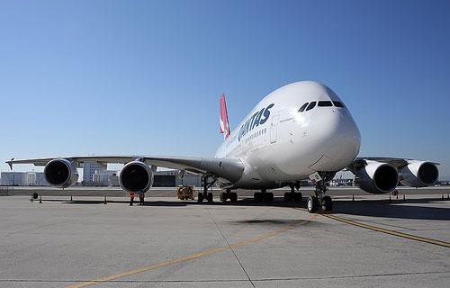 Qantas приостановила полеты одного из своих Airbus A380