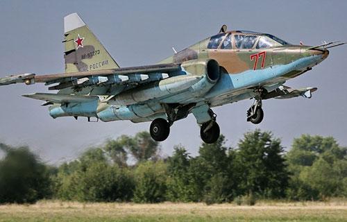 Самолет-штурмовик Су-25