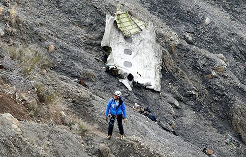 Обломки разбившегося в Альпах A320 Germanwings