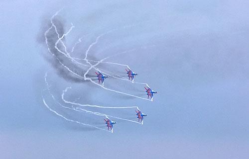 Парад военных самолетов